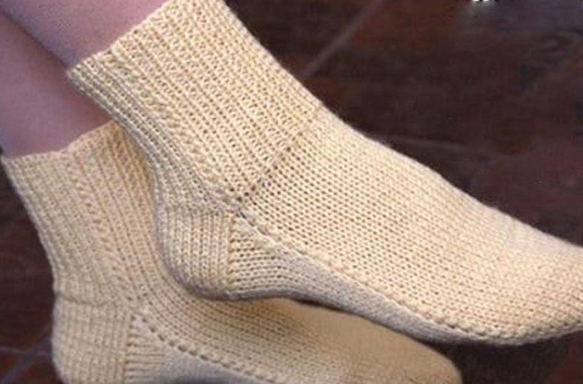 Вяжем носки быстро и с двумя спицами