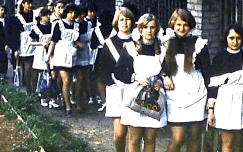 Как выглядели школьницы в СССР: архивные фото