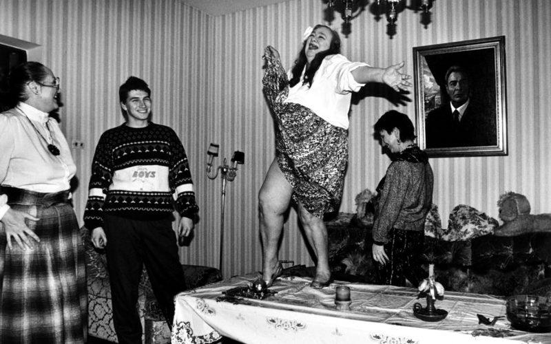 Редкие застольные фото советских знаменитостей, которые вы точно не видели