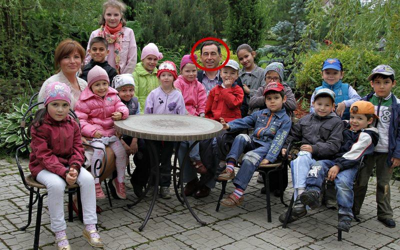 Известный миллиардер Роман Авдеев, усыновивший 17 детей, принял решение лишить их наследства