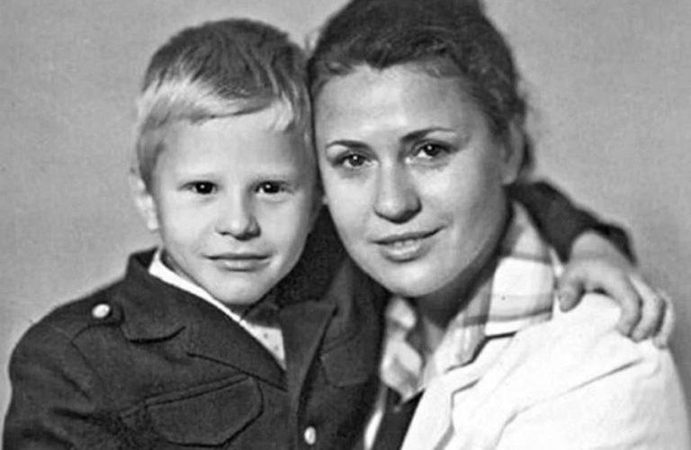 «Голос русской души»: как сложилась судьба единственного сына прекрасной Валентины Толкуновой