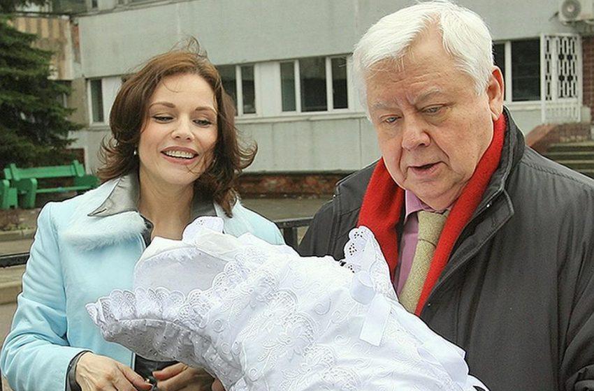 Точная копия своей мамы: как сегодня выглядит повзрослевшая дочь Олега Табакова и Марины Зудиной (фото)