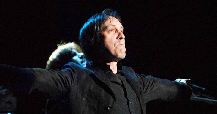 «Живой»:  Николай Носкова впервые после перенесенного инсульта запел на сцене