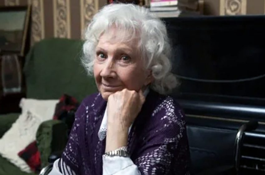 В 60 лет вышла замуж в 3-й раз, в 80 выучила английский: Жизнь 93-летней Людмилы Арининой