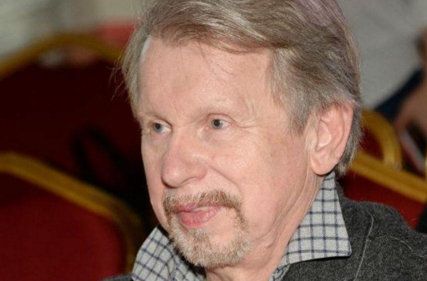 Анатолию Кашепарову — 70: почему артист уехал из страны и другие интересные факты из жизни солиста ВИА
