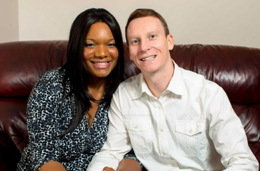 Темнокожая женщина родила белых малышей: Как выглядят детишки необычной межрасовой пары