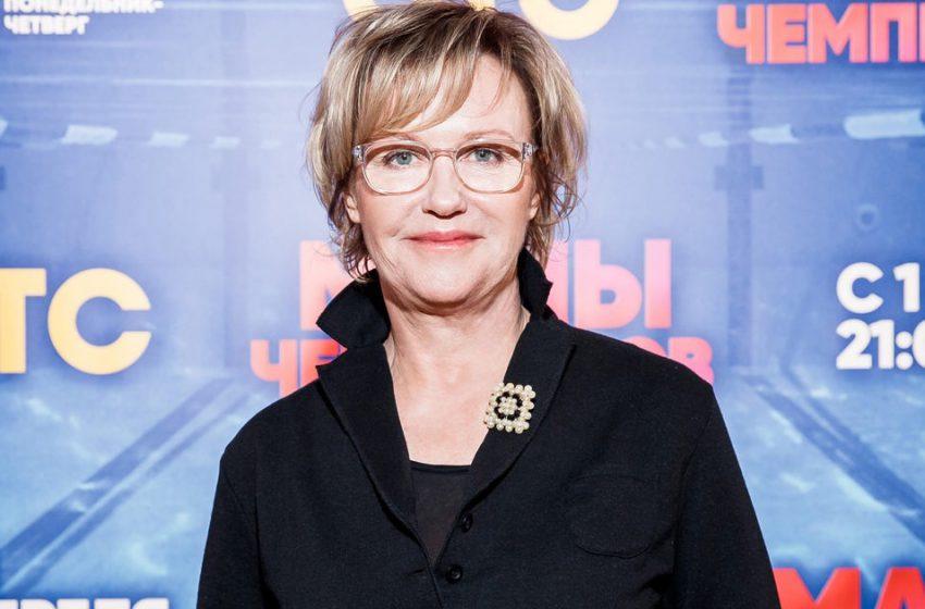 «Выглядит как 70-летняя старушка»: поклонники не узнали Ирину Розанову на новых фотографиях