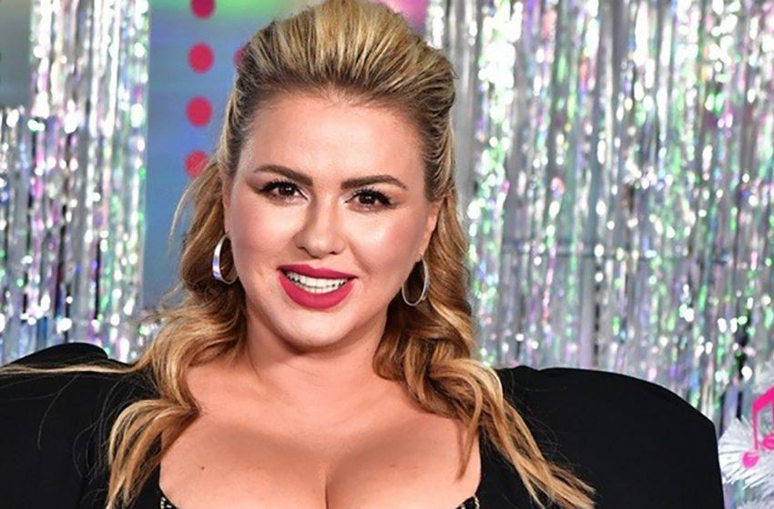 «Аня, вы слишком привлекательная»: Семенович эффектно поздравила мужчин с 23 февраля