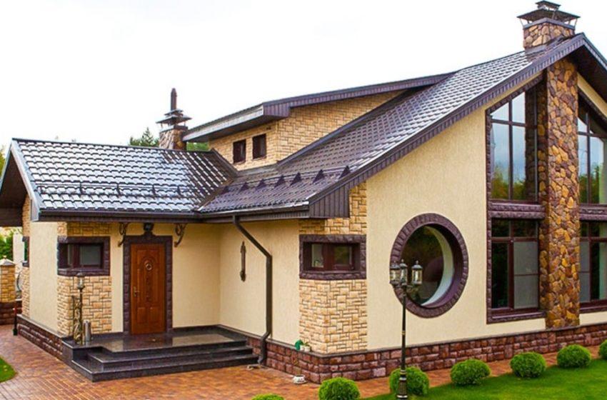 «Очень простое, но красивое решение!»: отличные идеи фасадов частных одноэтажных домов