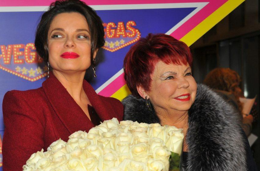 «С борщом на голове»: Людмила Порывай вновь вышла в свет в нелепом наряде