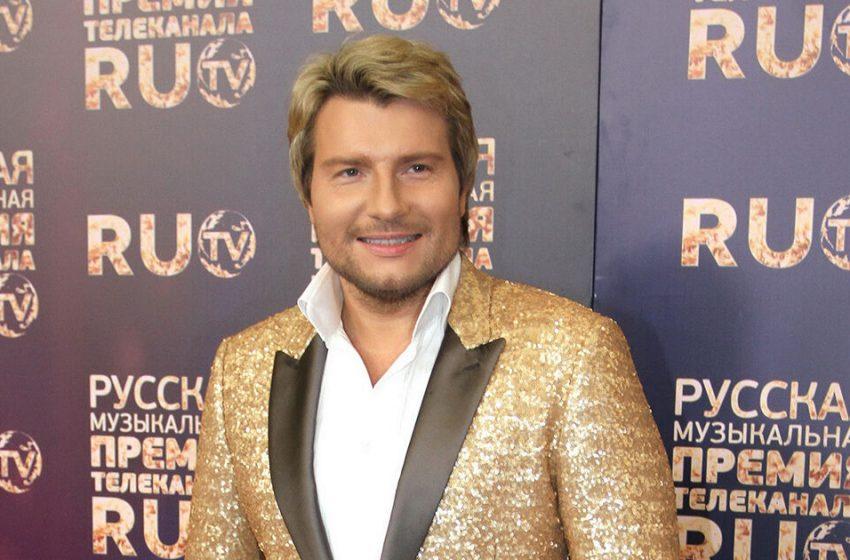 «Впалые щеки, морщинки вокруг глаз»: похудевший Николай Басков обеспокоил поклонников своим внешним видом